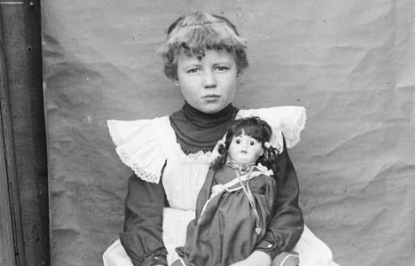 Even Kate's ancestors preferred the doll to the Internet